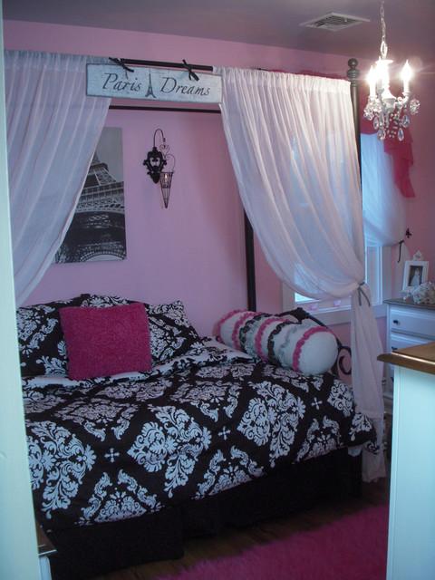 Hydrangea Home modern-bedroom