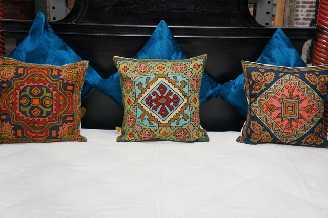 store set-up eclectic pillows