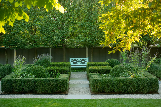 Viewing Garden traditional-landscape