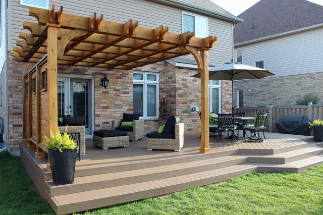 Pergola and deck extension with privacy screen ...