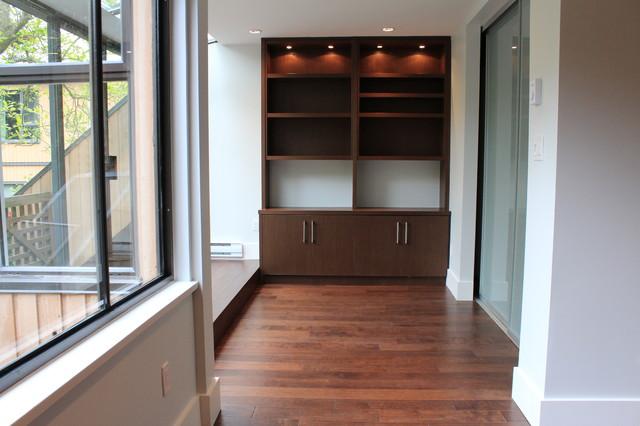 False Creek contemporary-home-office