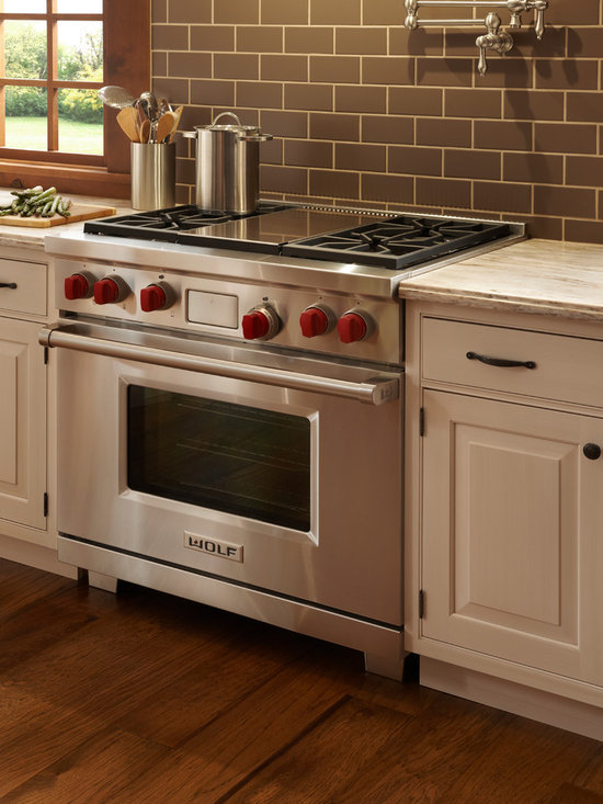 "Wolf 36"" Pro-style Dual-fuel Range, Classic Stainless 