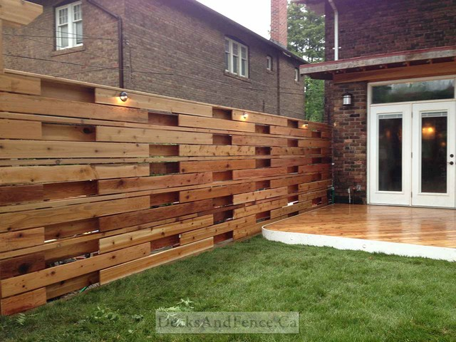Horizontal Fence Pergola And Wrap Around Deck Modern