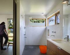 Lobster Boat Residence modern-bathroom