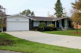 Exterior Colour Changes To Mid century Ranch Home