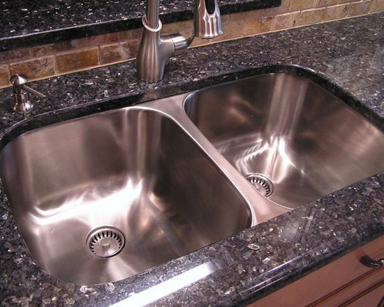 Classic Undermount Stainless Steel Double Bowl Kitchen Sink (16G) - UltraClean Undermount Kitchen Sinks  by Create Good have a seamless, perfectly formed drain. This UltraClean Double Bowl Sink is perfect for families desiring the highest sanitary standards all the way to the drain.
