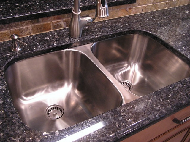 Classic Undermount Stainless Steel Double Bowl Kitchen Sink (16G ...
