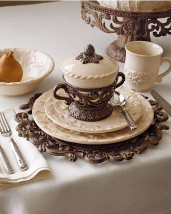 GG Collection Four Cups & Saucers traditional-serving-bowls