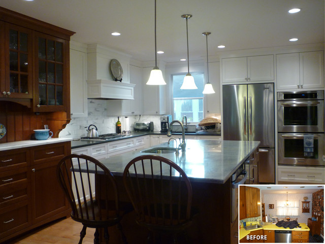 Kitchen w 2 tone cabinetry traditional