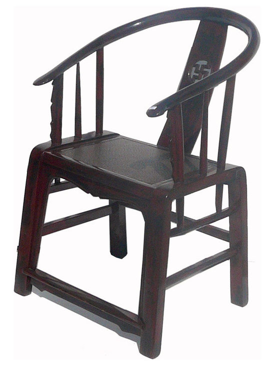 Black Red Lacquer Rattan Chinese Armchair - This is a armchair that has Chinese horse-shoe arm shape and simple straight leg design, and the seat is a layer of rattan. It is good for the modern home as decoration piece or a guest meeting chair.