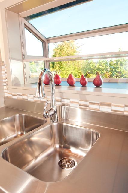 Perfect Panabode modern-kitchen