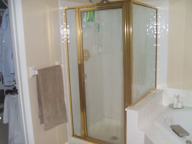 Engdahl traditional-bathroom