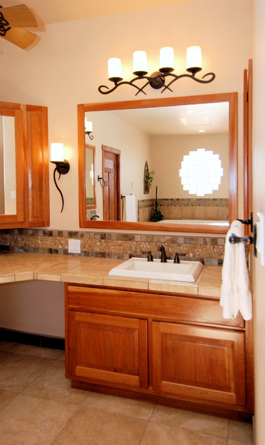 Sunrise Drive - Master Bath traditional-bathroom
