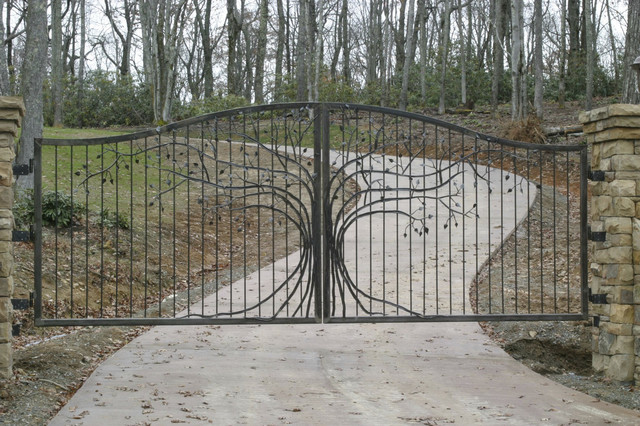 Oak Hill Iron Gates traditional-exterior