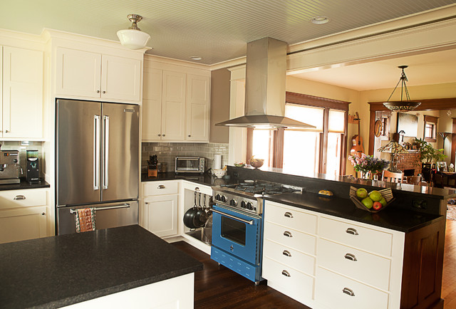 49th St Bungalow traditional-kitchen