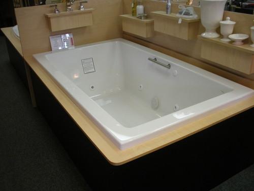 Microsilk vs air tub jason or bain ultra for Garden tub vs standard tub