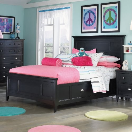 Bennett Panel Bed traditional-kids-beds