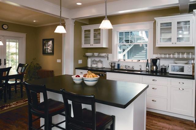 Oak Springs Kitchen & Laundry traditional-kitchen