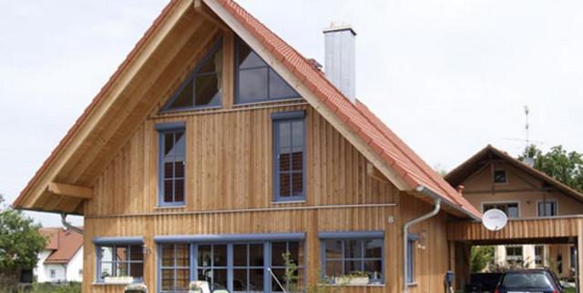Holzfenster mit vorgesetzten Rolläden, Farbe taubenblau ...