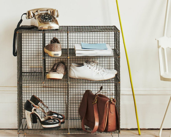 Wire Floor Storage -