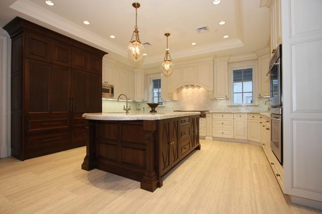 ELEGANT KITCHEN traditional-kitchen-cabinets