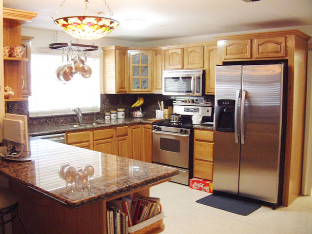 Honey Oak Kitchen Cabinets Home Design - Traditional - Kitchen Cabinetry - columbus - by Lily ...