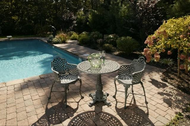 Outdoor Entertainment traditional-patio
