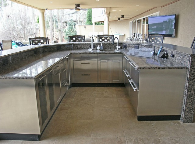 outdoor stainless steel cabinetry