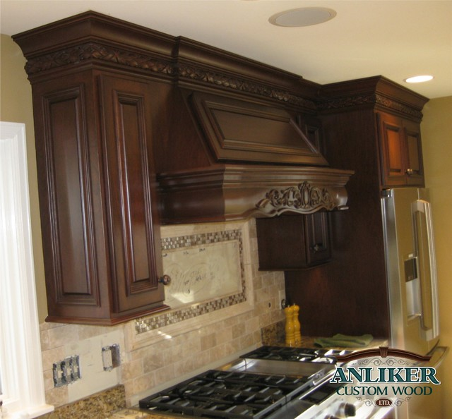 Kitchens traditional-kitchen-cabinets