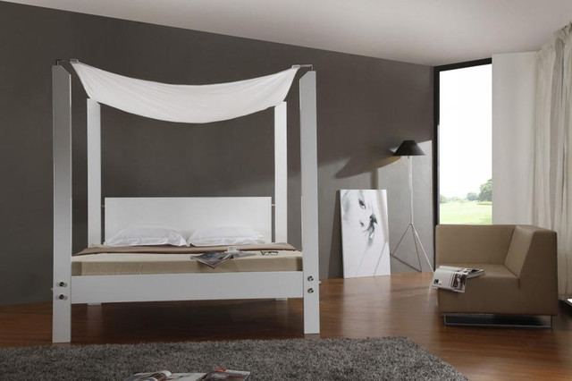 Extravagant quality platform bedroom set contemporary for Extravagant bedroom furniture