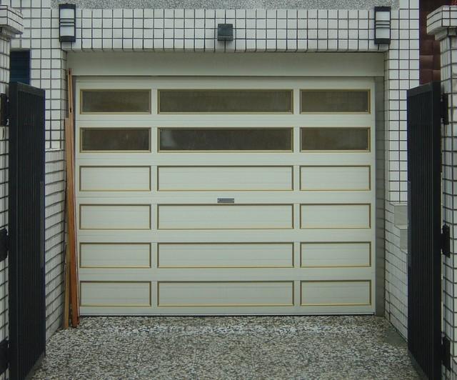 O'Leary stacking garage doors modern-garage-doors-and-openers