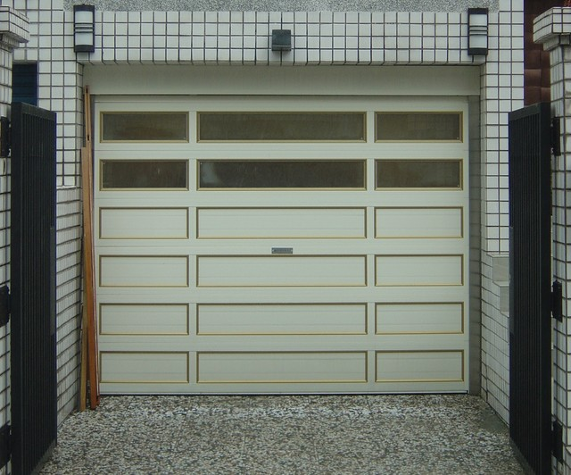O'Leary stacking garage doors - Modern - Garage Doors And Openers - other metro - by YI CHENG ...