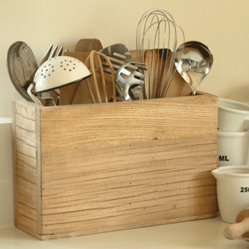 Reclaimed Elm Utensil Holder traditional-utensil-holders-and-racks
