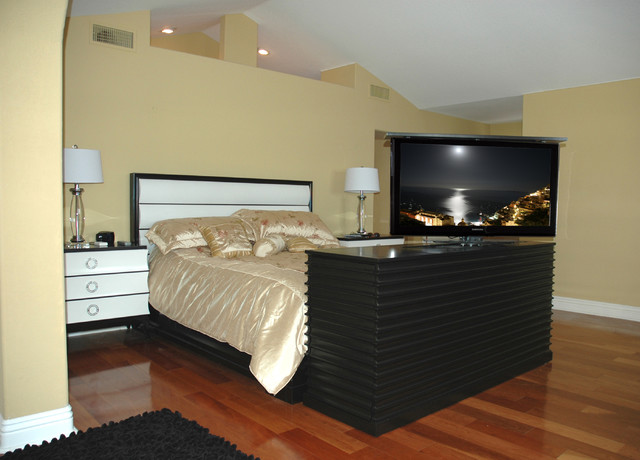 pop up tv lift cabinet accord tv lift at the foot of the bed modern bedroom products san. Black Bedroom Furniture Sets. Home Design Ideas