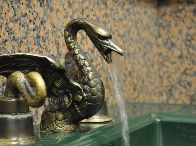 Bathroom Widespread Swan Sink Faucet Set Traditional