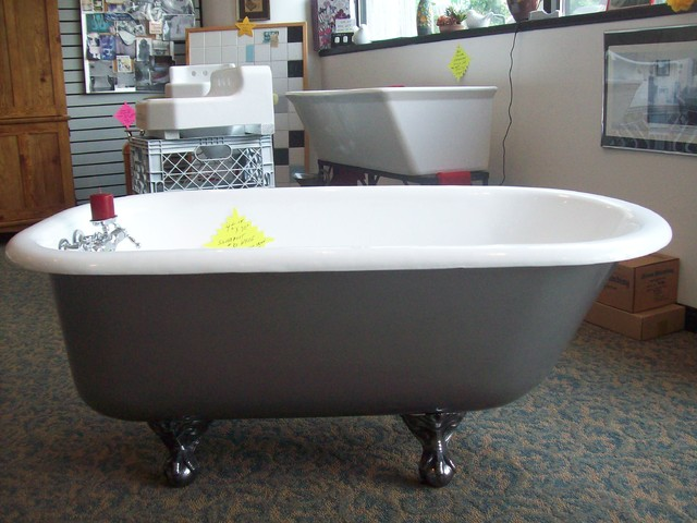 Refinishing Of Antique Clawfoot Castiron Tub Traditional