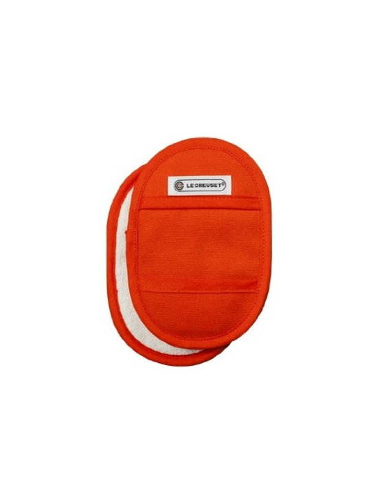 Le Creuset - Le Creuset Fingertip Potholder, Set of 2 - Smaller than traditional pot holders, these fingertip potholders are made from the same durable, comfortable materials, and are perfect for removing your French oven from the oven or lifting hot lids to check ingredients.
