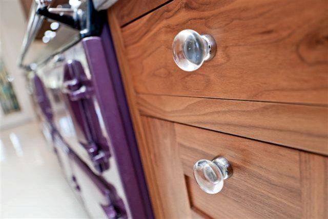 Kitchen ideas contemporary-cabinet-and-drawer-knobs