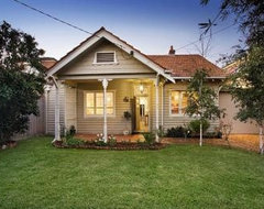 Exterior color scheme for our 1940 39 s weatherboard for 1940s homes exterior design