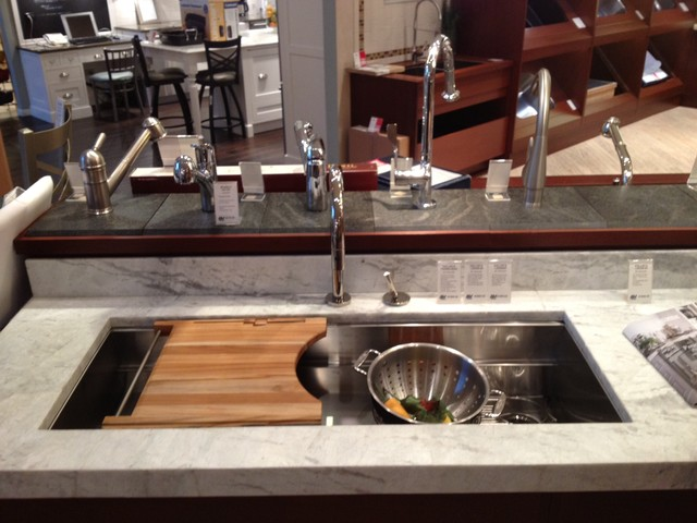 Kitchen Sink With Cutting Board And Strainer