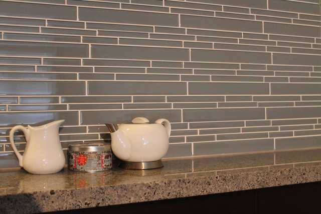 chimney smoke linear glass mosaic tile kitchen backsplash