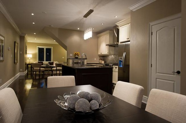 Sanza Homes traditional-dining-room