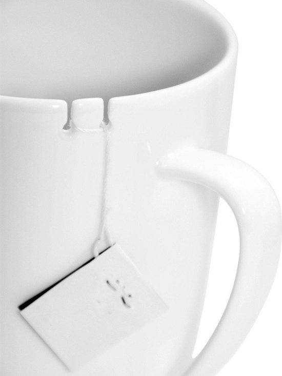 Le Mouton Noir - Tie Tea Mug, White, Left-Handed - Tie Tea solves the eternal problem of fishing around for that tea bag that's inevitably fallen into your cup.