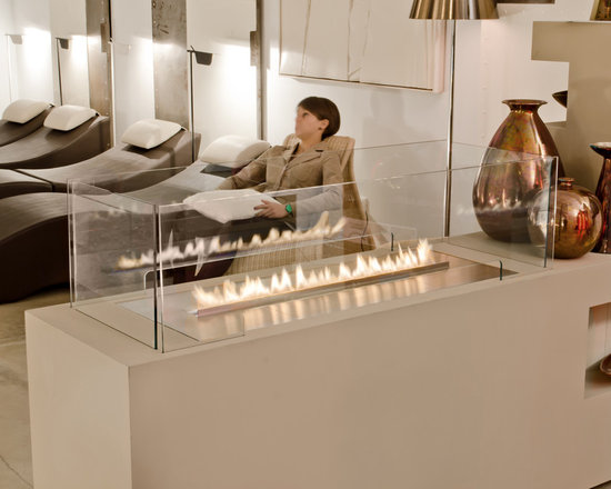 Planika: Fire Line Automatic - Fire Line Automatic , the latest product by Planika, is designed primarily for architects and interior designers. The versatile, linear burner can be wall-mounted , recessed into a shelf or used as a see-through or free-standing fireplace.