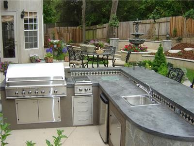 Small outdoor kitchen pics for Outdoor kitchen ideas houzz