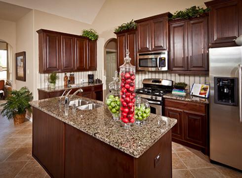 Plantation Homes - Aliana traditional-kitchen
