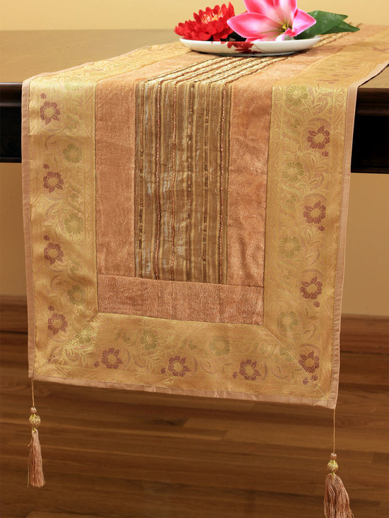 Elegant Table Runners - Soft velvet and shining silk are weaved together in this simply stunning table runner that is a perfect addition to any dining set up.