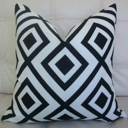 David Hicks Pillow Cover eclectic-decorative-pillows