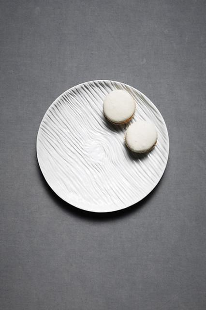 Knotty Pine Tidbit Plate modern-dinner-plates