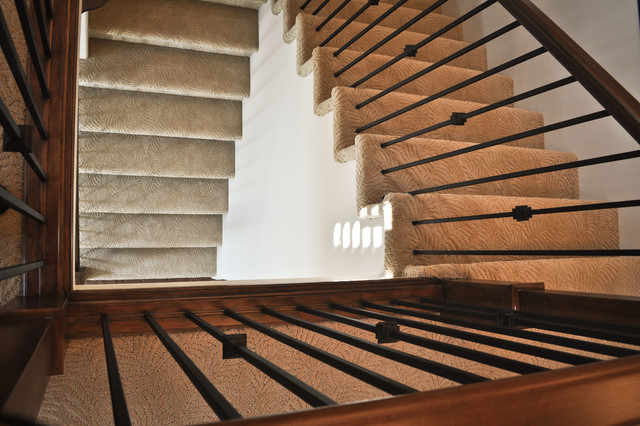 Home Staircase traditional-carpet-tiles
